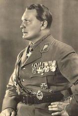 401px-goering1932