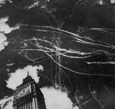 battle-of-britain-london-contrails