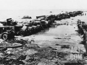 robert-hunt-abandoned-british-vehicles-at-dunkirk-during-world-war-ii_i-g-46-4614-3hkfg00z